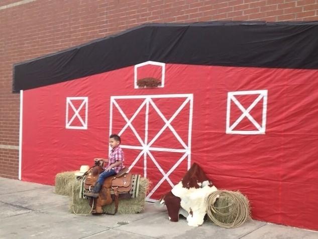 Go Texan Day February 2014 barn photo setup