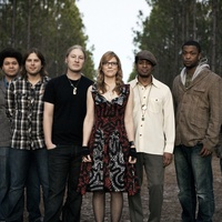 Austin Photo Set: News_Kevin_Tedeschi Trucks_jan 2012_band