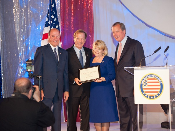 Helping a Hero.org gala, October 2012, Chuck Jenness, Neil Bush, Meredith Isler, Lt. Gov. David Dewhurst