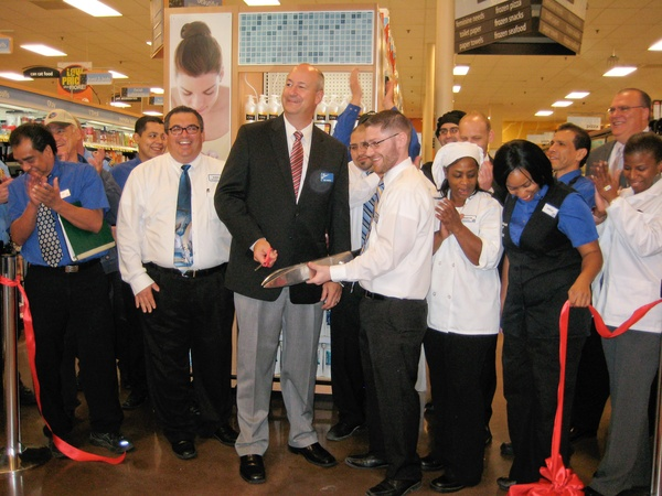 News_Disco Kroger_open house_ribbon cutting