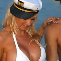 News_Cruise Control_Pamela Lee Anderson