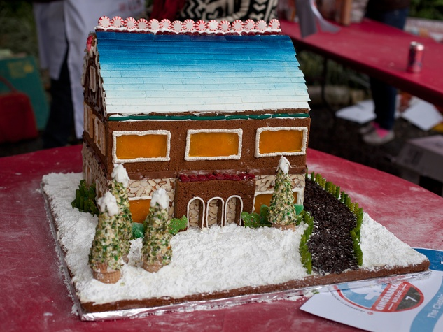 14 Annual AIA Gingerbread build-off December 2013 Best Traditional_PDR with The Classic