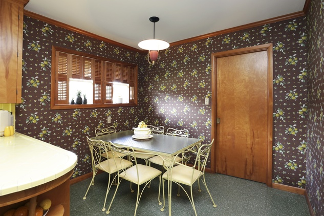17 On the Market mid-mod ranch-style house in Brookshire 6th and Purdy streets September 2014