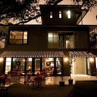 News_Travel_Lonnie Schiller_Hotel Saint Cecilia_night