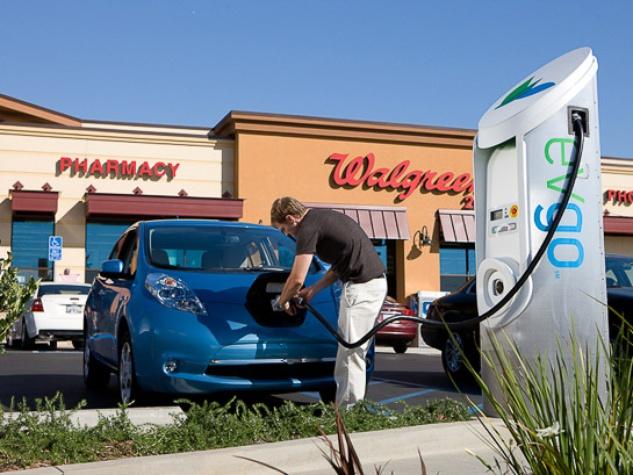 News_Walgreens_charging station