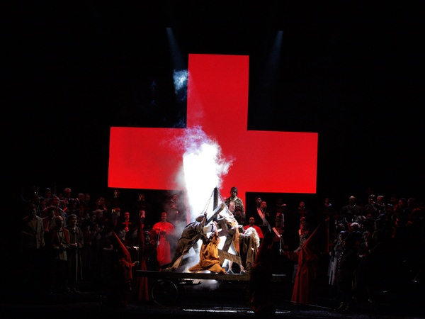 News_Houston Grand Opera_Don Carlos_Apriil 2012_Heretic burnings