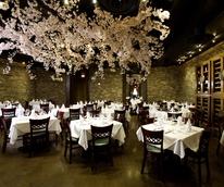 Places-Gigi's Asian Bistro-interior-1