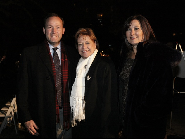 Councilman Philip Kingston, County Commissioner Dr. Theresa Daniel, Gay Donnell, light up lee park
