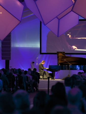 Philip Glass concert, December 2012, piano, crowd, venue