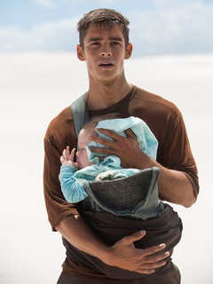 Brenton Thwaites in The Giver