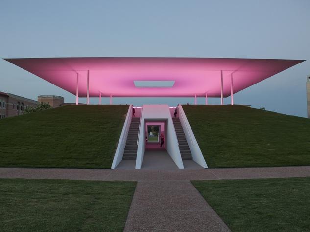 016_Turrell Skyspace opening, June 2012, lights, illumination.jpg