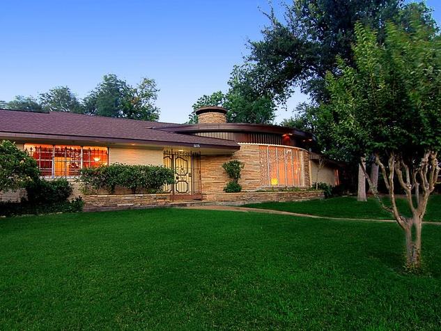 Glenbrook Valley 8035 Glenforest Houston mid-century modern front exterior