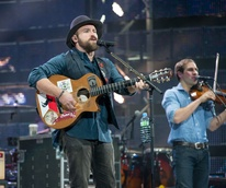 Zac Brown band rocking