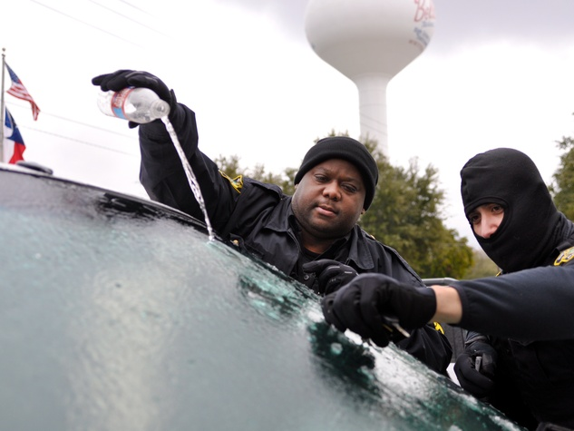 snow_day_officers_windshield