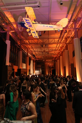 News, Shelby, Museum of Natural Science gala, March 2015 , party scene