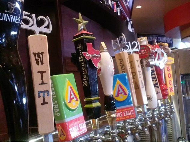 Big Daddy's Burgers and Bar texas beer taps