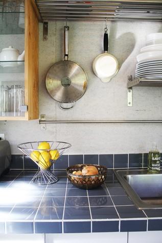 Austin Photo Set: News_caitlin_comfortable home_oct 2012_kitchen detail