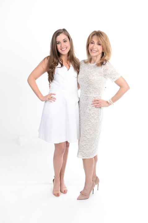 News, Clifford, Fashion Gene Awards, Kari and Alyssa Parsons