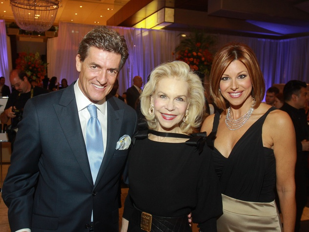 111 Nick Florescu, from left, Lynn Wyatt and Dominique Sachse at the Houston Ballet/Carnan Properties party.
