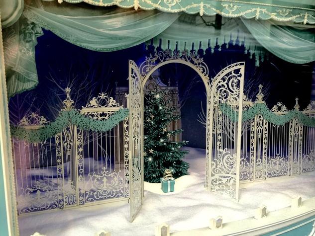 News, NYC Christmas decor, Dec. 2015, Tiffany
