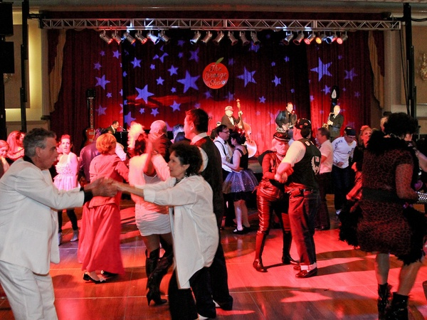 Orange Show Gala, November 2012, Guests dancing, dance floor