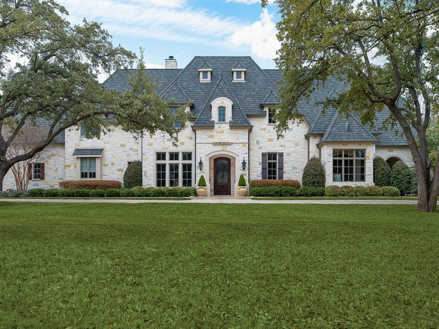 Exterior of 10453 Epping Lane in Dallas