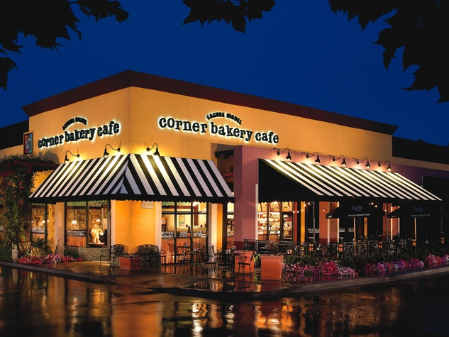 Corner Bakery Cafe exterior at night