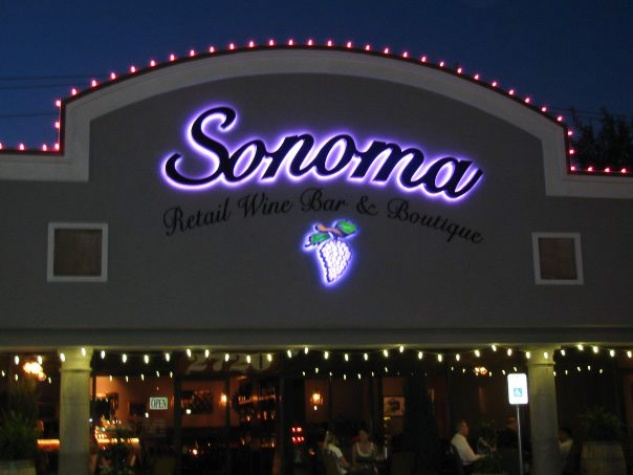 News_Sonoma Retail Wine Bar_Restaurant_exterior_night
