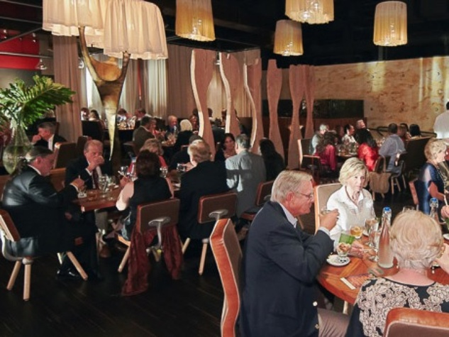 News_Buen Provecho Dinner_Corduas_April 2012_crowd_venue_Churrascos