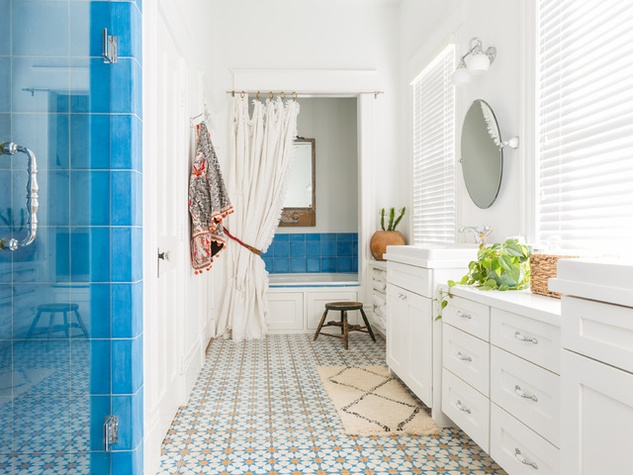 Renovation of heights home adds a touch of boho chic for for Channel 4 bathroom design ideas
