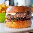 happy hour House Ground Burger at Étoile Cuisine et Bar