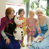 Frozen's Anna and Elsa at Texas Scottish Rite Hospital for Children' Character Breakfast