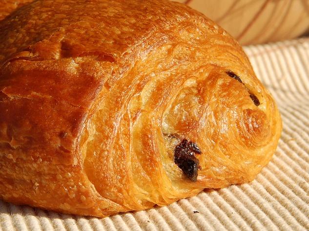 News_chocolate croissant