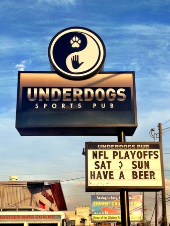 Underdogs Sports Pub, sign, January 2013