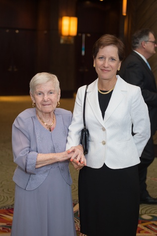 Holocaust Museum LBJ Dinner, 6/16 Riki Roussos, Diane Merrill