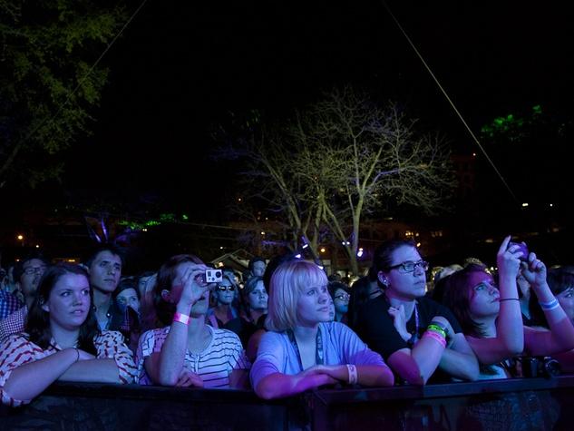Austin Photo Set: News_Jessica Pages_SXSW_music Day 3_march 2012_stubbs crowd