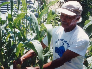 News_Joel Luks_community gardens_Alabama Gardens_Mr. Christian_Allotment garden