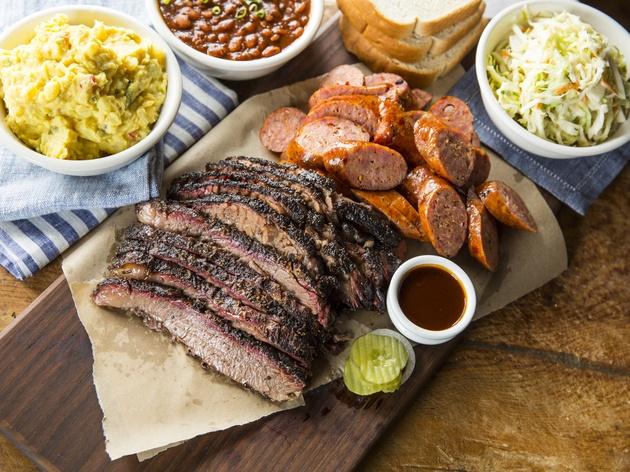 http://media.culturemap.com/crop/c7/22/630x472/Houston-Pappas-Bar-B-Q-October-2017-Brisket-sausage-and-sides_224229_jcrop_4x3_Tue17Oct2017225148.png