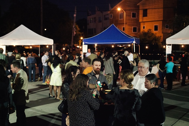 30 The crowd at the event at the Urban Harvest 10th anniversary dinner November 2014