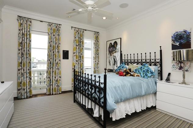 On the Market 1729 Sunset Blvd. October 2014 fourth-floor bedroom