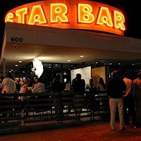 Austin_photo: places_drinks_star bar