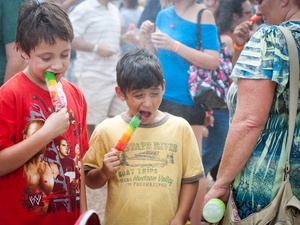 Austin Photo Set: News_Jon Shapley_ice cream festival_August 2011_pops