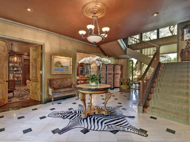Austin house home Tarrytown 2610 Kenmore Court Ben Crenshaw February 2016 foyer