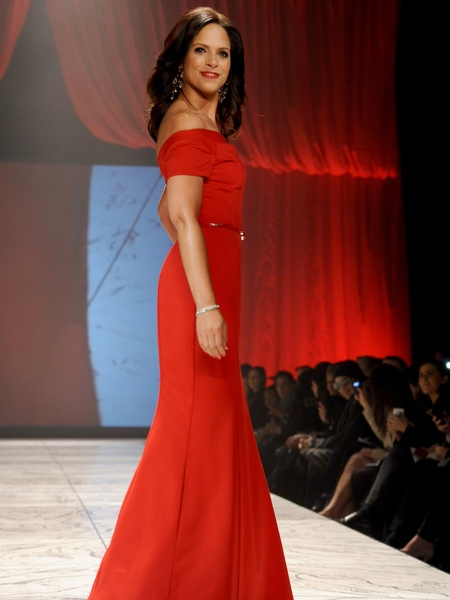 13, The Heart Truth 2013 Fashion Show, Soledad O'Brien wearing Black Halo Eve