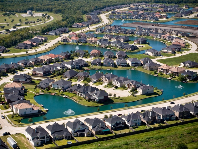 News_Missouri City_neighborhood_lake