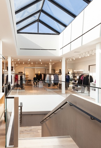 COS Collection of Style store in Los Angeles