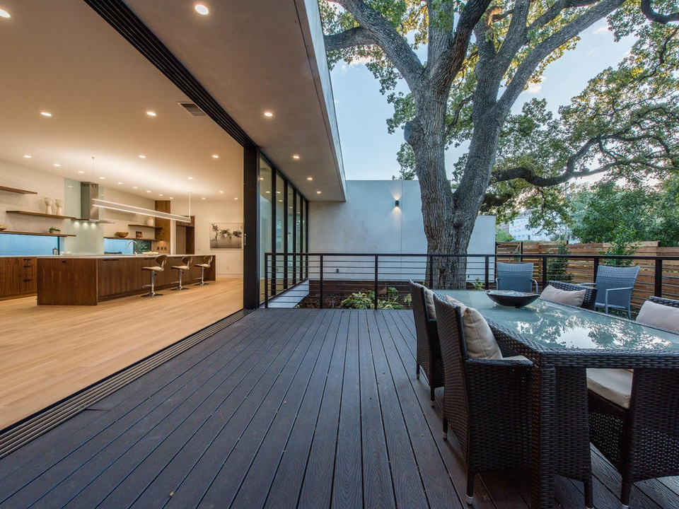 2016 Austin Modern Home Tour house 2708 Townes Lane Bercy Chen Studio back porch