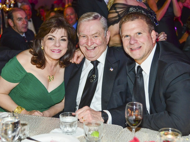34 Laura and Dave Ward, from left, with Tilman Fertitta at the Houston Children's Charity Gala November 2013