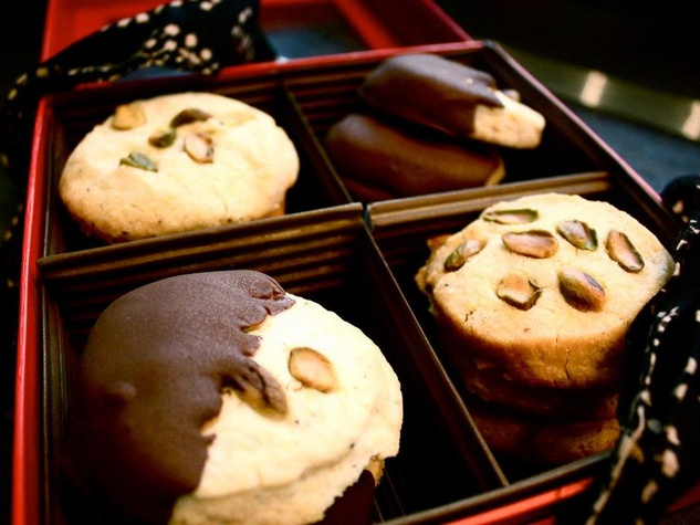 cookies, Pondicheri, Chocolate-Dipped Pistachio Cardamom Cookie Box