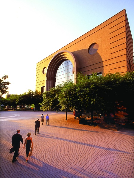 News_Wortham Theater Center_exterior